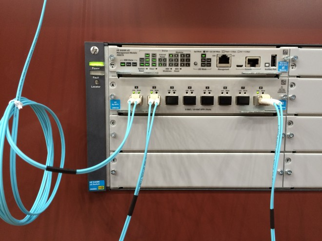 Connectique fibre chez Blackmagic Design